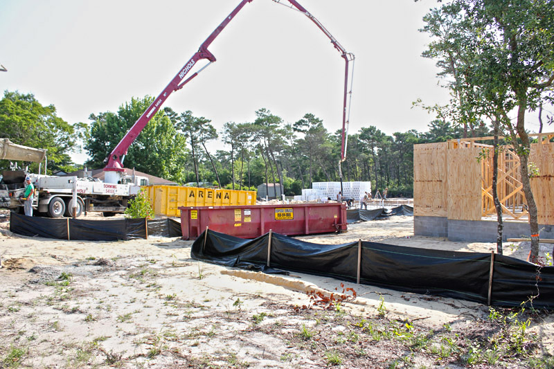 Pouring concrete at the tucker lot for icf home jp for Icf florida