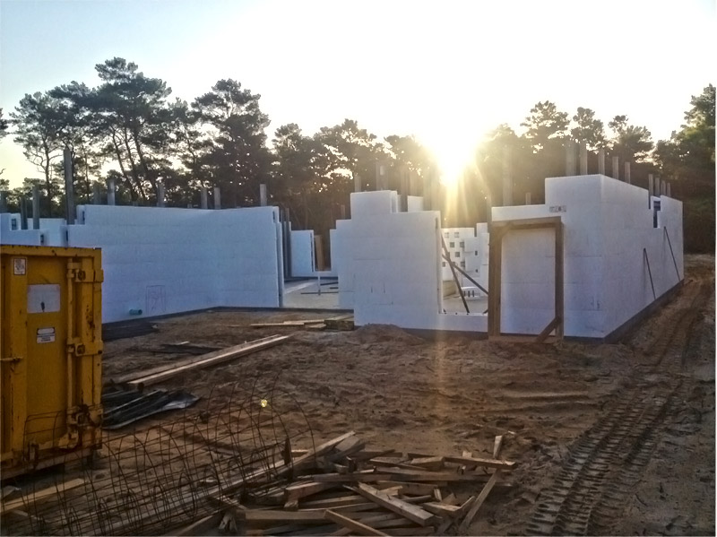 Icf walls going up on destin fl custom home jp for Icf florida